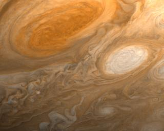 PIA01512: Jupiter's Great Red Spot and White Ovals